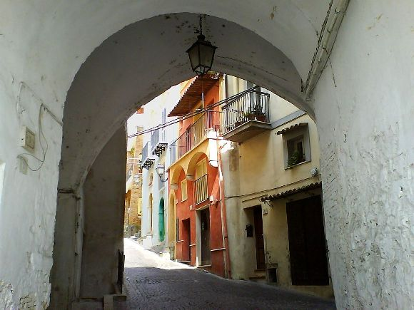 Formia, Arco della Porta dell'Orologio - Fonte: Wikipedia