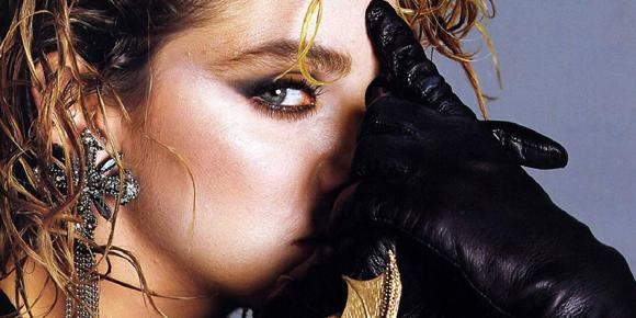 Amore sacro e amor profano, suor Cristina canta Like a Virgin (2)