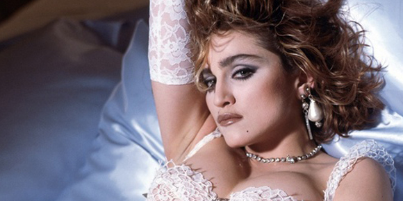 Amore sacro e amor profano, suor Cristina canta Like a Virgin (3)
