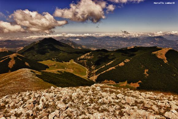 Vista sui piani di Ruggio dal Serra del Prete (Parco Nazionale del Pollino) - Foto di Marcello Lombardi