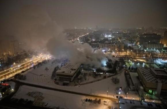 Brucia biblioteca a Mosca con 14 milioni di volumi