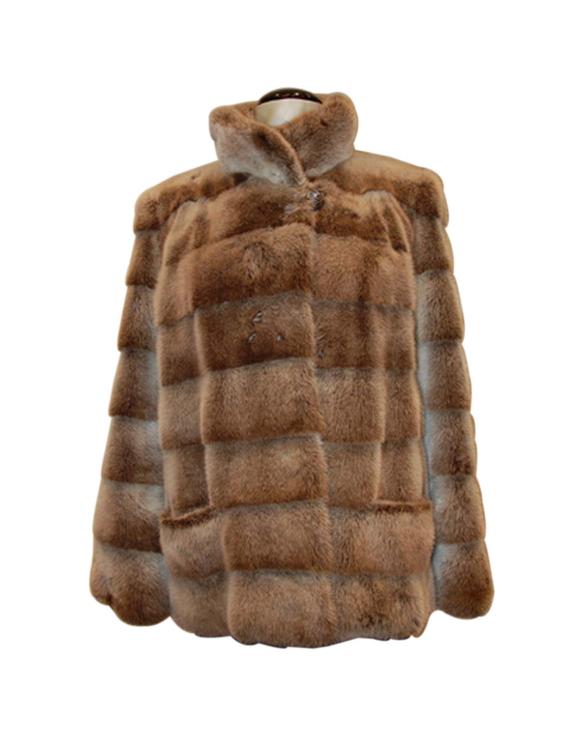 Immagine da http://www.gyster.com/2439-5312-thickbox/giacca-pelliccia-visone.jpg