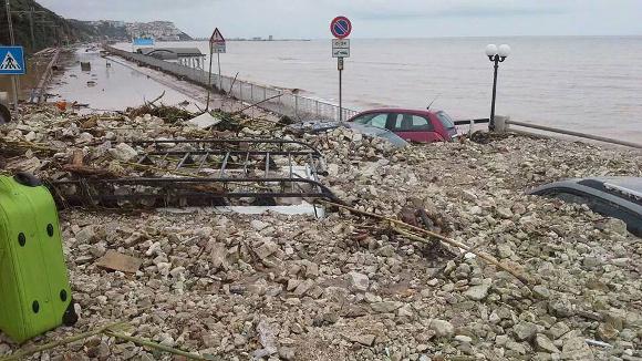 http://www.meteoweb.eu/wp-content/uploads/2014/09/alluvione-gargano2.jpg