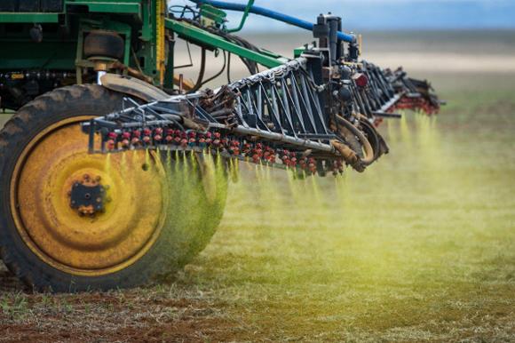 Utilizzo dell'erbicida Roundup della Monsanto