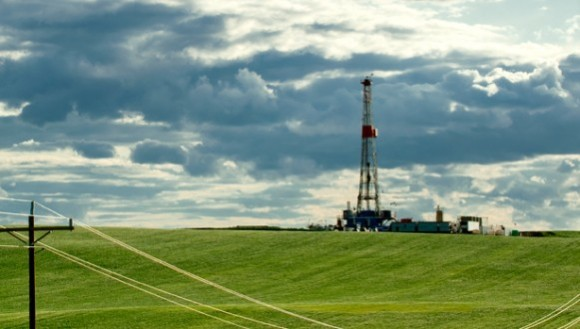 immagine da http://www.midasletter.com/wp-content/uploads/2014/09/Continental-resources-bakken-oil-rig-north-dakota-continental-resources-581x330.jpg