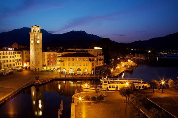 Riva del Garda, per tanti anni sede della Blogfest. Da Wikipedia
