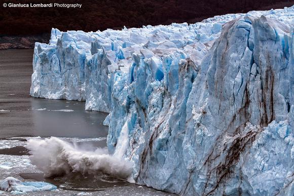 Rottura del fronte del Glaciar Perito Moreno (Parque Nacional Los Glaciares, Santa Cruz, Patagonia Argentina)