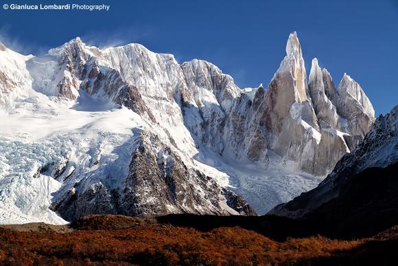 Cordone di Adela (sinistra) e massiccio del Cerro Torre, Parque Nacional Los Glaciares (Santa Cruz, Patagonia Argentina)