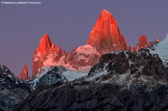 Alba su Cerro El Chaltén (o Fit Roy), Parque Nacional Los Glaciares (Santa Cruz, Patagonia Argentina)