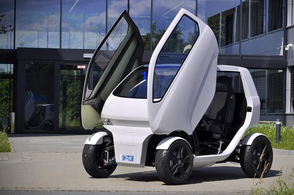 La macchina del futuro è piccola e parcheggia da sola