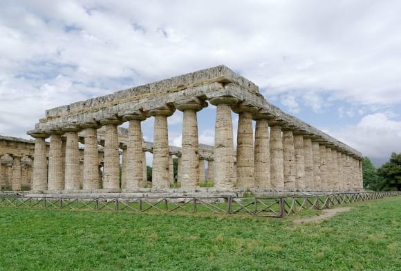 Di Berthold Werner, CC BY-SA 3.0  templi greci e storie antiche