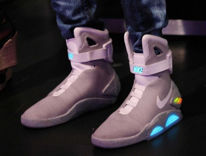 scarpa-autoallacciante-ritorno al futuro