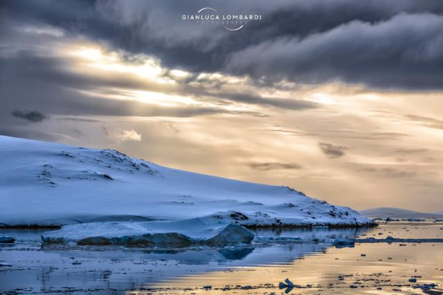 [24 Novembre 2015] Canale Neumayer nei pressi di Wiencke Island (Arcipelago di Palmer, Penisola Antartica)
