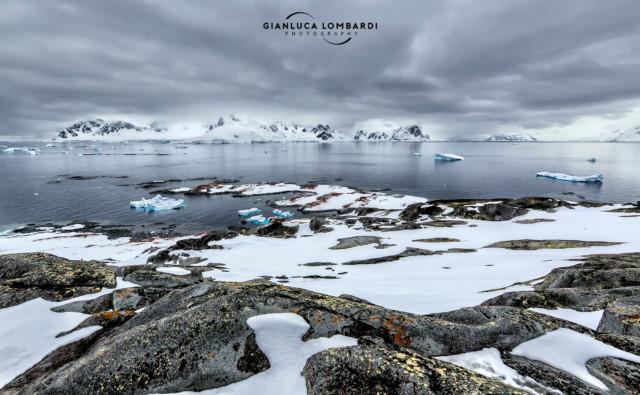 [25 Novembre 2015] Il panorama dal punto piu' alto di Useful Island verso lo Stretto di Gerlache e Paradise Harbor (Penisola Antartica).
