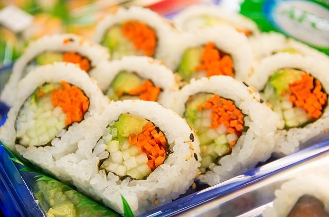 ordinare e mangiare sushi