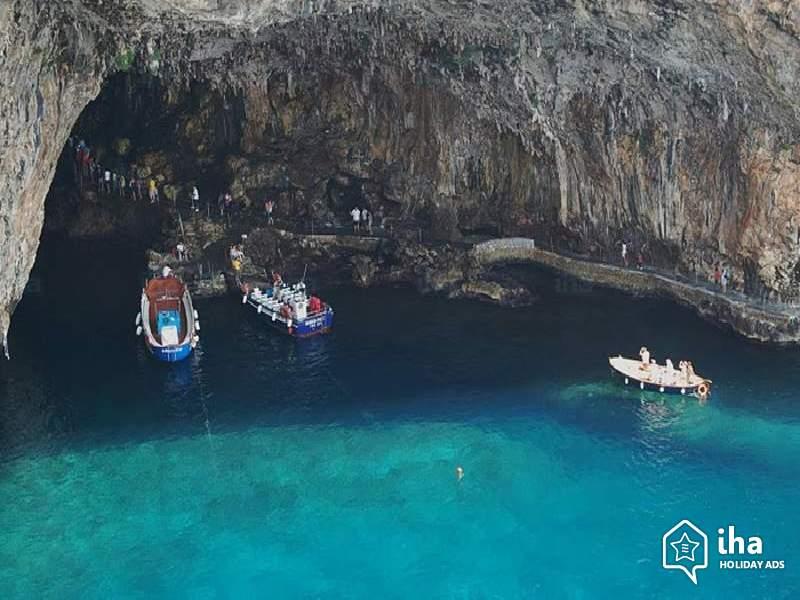 Percorsi naturalistici in Puglia, seguendo le limpide acque