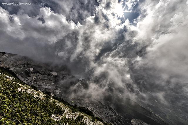 Giochi di luce e nuvole nella Valle dell'Ofento