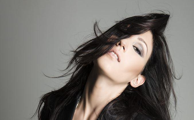 Let me Fall, il nuovo singolo di Deborah Xhako di The Voice of Italy