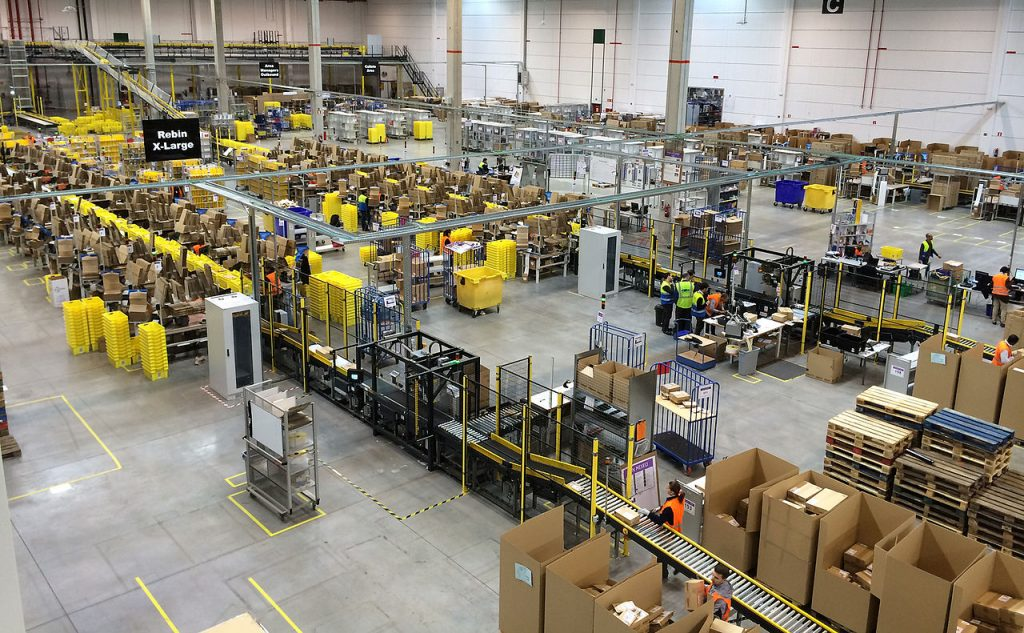 i robot lavoratori in amazon