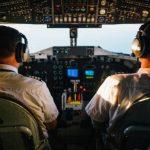 Come si diventa pilota di linea, formazione e requisiti di un pilota di aerei