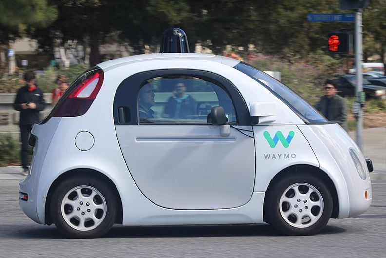 waymo auto a guida autonoma di Alphabet Inc
