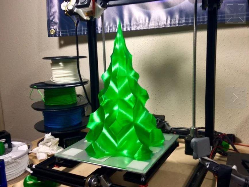idee per le decorazioni di natale da stampare in 3D -lampada albero di Natale
